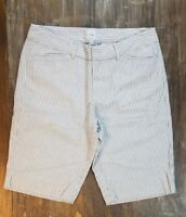 GAP Bermuda Shorts White Striped Casual Bottoms Light Weight Womens Size 2 SALE