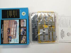 N Scale - Bachmann - Locomotive Maintenance Building Structure Kit #15163