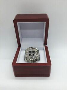 Los Angeles Raiders Oakland Raiders Team Logo Ring Set with Wooden Display Box