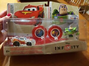 Disney Infinity 1.0 Lightning McQueen+Buzz Lightyear Toys R Us Play Set READ