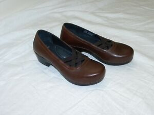 womens DANSKO brown mary jane style slip on shoes size 39 (8.5-9)