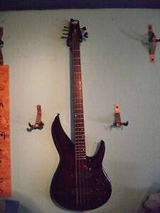 LAG Fusion 4-Saiter aktiv Bass, NEU und unbespielt mit Koffer