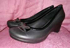 WOMENS CROCS PUMPS COMFORTABLE DRESS SHOES for Casual or Work Size 8W Black