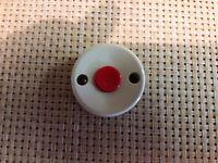 Druckschalter - Durchmesser: 45 mm  - 2 Schraubbefestigungen . Knopf rot