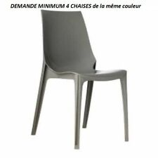 Chaise modèle Vanity, couleur Tattledove brillante, empilable, Scab Design