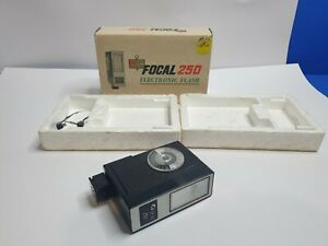 Focal 250 Electronic Flash - Boxed - Free Postage
