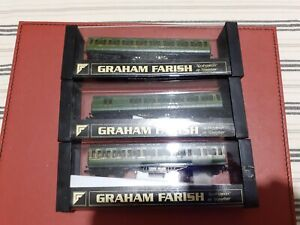 GRAHAM FARISH N GAUGE - RAKE OF THREE SOUTHERN REGION COACHES