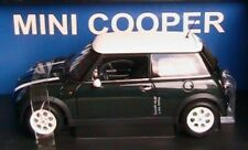 BMW MINI COOPER 2001 RACING GREEN & WHITE STRIPES AUTOART 74827 1/18 AUSTIN