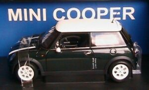 BMW MINI COOPER 2001 RACING GREEN & WHITE STRIPES AUTOART 74827 1/18 AUSTIN
