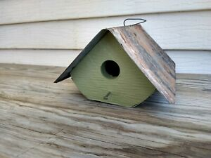 Wonderful Birdhouse Bird House Amish Hand Made Primitive NEW Wren Rounded Green