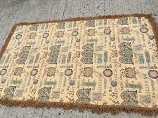 Tassled cream patterned rug 'the food & love plan' Lot ME170819E