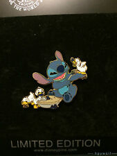 Disney Shopping STITCH WITH DUCKLINGS EATING PIE Father's Day LE 250 Pin