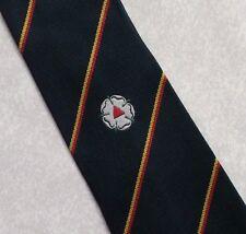 Vintage Club Asociación Corbata Blanco Rosa Crest azul marino a rayas por Wilf West 1970s