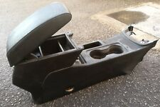 SEAT LEON 5F FR 2012 - ON CENTRE CONSOLE / LEATHER ARMREST IN BLACK