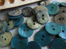 lot 12 boutons en NACRE  bleu bondi irisé 2 trous diamètre: 1,3 cm  ref 1990