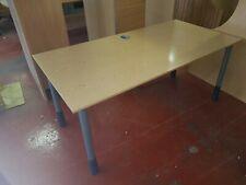 1600mm  x 800mm Basic Desk in mid Beech.