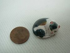 ARTISAN SIGNED B.E. DOLLHOUSE MINIATURE ART POTTERY CURLED UP CALICO CAT 1""