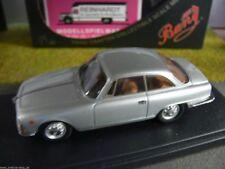 1/43 Bang 7238 Alfa Romeo 2000 sprint gris metalizado