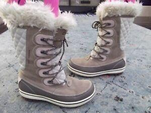 Women's HELLY HANSEN brown cream winter boots Sz. 9 US