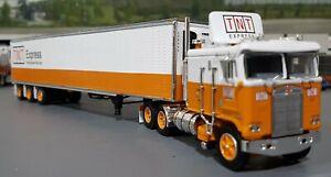 1/64 DCP K100 KENWORTH TNT EXRESS AUSTRALIAN STYLE & TRI TRAILER NEW 60-0820