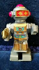 """White Knob Wind-up Silver Space Robot w/ gold blaster 3 1/2""""~ Cosmic Artifacts"""