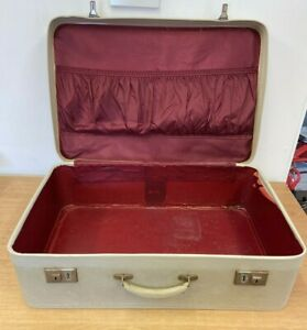 Vintage Suitcase With Red Lining (D4)