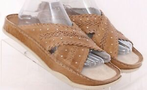 Earth Viva Latte Kalso Studded Criss-Cross Slide Sandal Shoes Women's US 9.5B