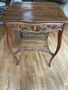 Antique Oak Side/End/Parlor Table Or Display Table.