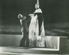 SOPHIA LOREN ALASTAIR SIM THE MILLIONAIRESS 1960 PHOTO ORIGINAL #109