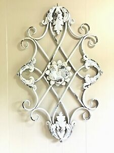 """VTG Metal Wall Décor 38""""x25"""" Shabby Cottage Rustic Chic Garden Scrolled Floral"""
