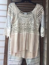Daytrip Buckle  Womans Top Large Cream White Pleats Lace Tiered Heatherton