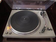 Belle platine vinyle de salon Technics SL-1500 fonctionnelle