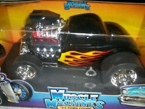 Muscle Machines Custom 1933 Ford Coupe 1/18 scale / 2002
