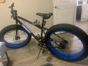 Good condition Black and blue mongoose dolomite bike