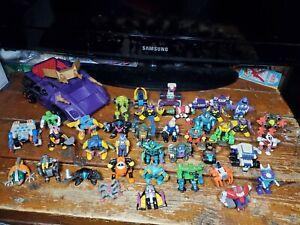 Lot of Vintage LGTI Z-Bots Figures w/ Vehicle