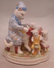 Staffordshire Figura Ceramica-Gatto di famiglia con pot/Pen Holder