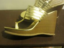 Bamboo Gold Toe Thong Wedges Size 10