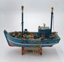 Chalutier de pêche en bois - maquette