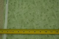 "Green Print on Quilter/'s Cotton 44/"" By-the-Half-Yard M6149 Classic Cottons"