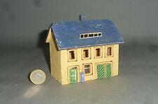 Altes Holz Haus mit Garage Erzgebirge auch für 00 / H0 Eisenbahn