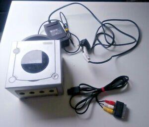 Nintendo GameCube Console - Silver - PAL - No Controller or Serial Port 3 Cover