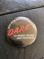 Vintage Pin Button; D.A.R.E. Dare to Resist drugs and violence drug abuse resist