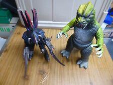 """Bandai 2009 Godzilla 12"""" Figure - Gigan - With 16"""" vintage Godzilla"""