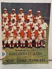 CINCINATTI REDS WORLD SERIES 1961 WITH SIGNATURES ON 2ND PAGE