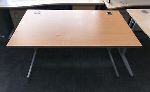 1400mm x 800mm straight desk in BEECH