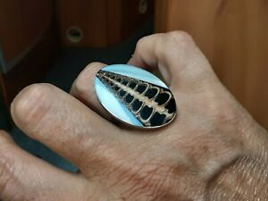 BLACK N TAN AMANITE TUBE SHELL & M/PEARL OVAL & SILVER RING, SIZE ADJUSTABLE