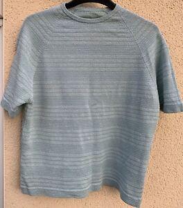 Vintage Ladies Top. Ribbed Pattern. Mint
