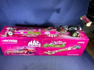 B8-8 SHIRLEY MULDOWNEY 2001 MAC TOOLS /CHA CHA 1:24 SCALE NHRA TOP FUEL DRAGSTER