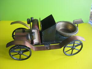 60er Jahre, Raucherset in Form eines Autos aus Metall