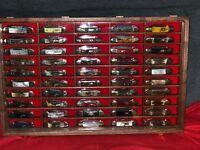 50 Vintage Battle Axe, Case, Eye, Parker, Etc. Baby Canoe Knife Walnut Display